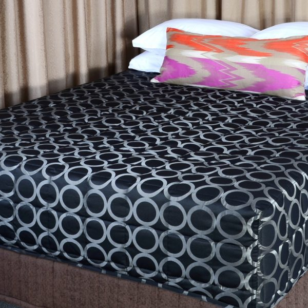 Bed Coverlets & Fitted Quilts
