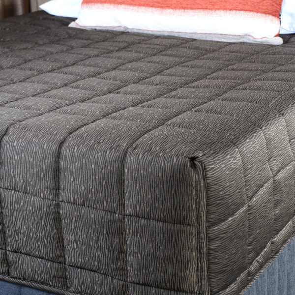 Deluxe Fitted Quilts