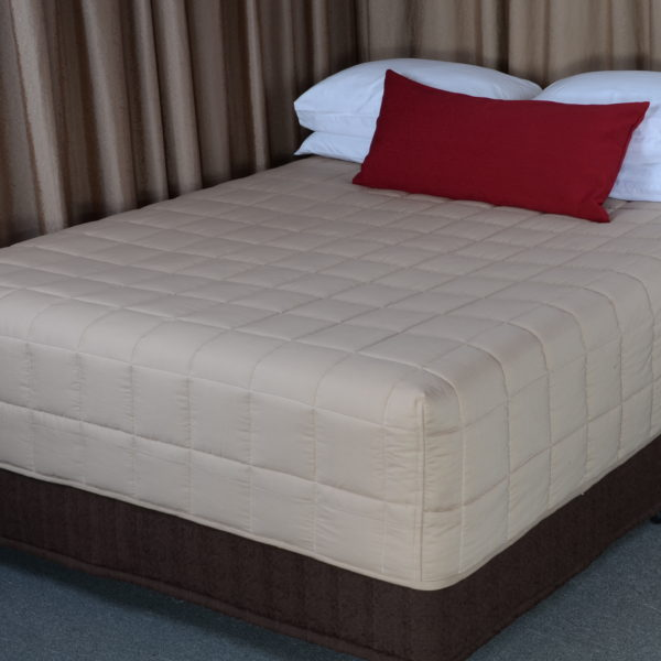 Hospitality Fitted Quilts